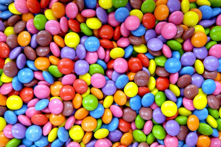 This image has an empty alt attribute; its file name is smarties-50838_1280.jpg